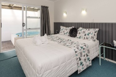 Bedrooms - Unit 2 One Bedroom Unit | Palm Court Rotorua